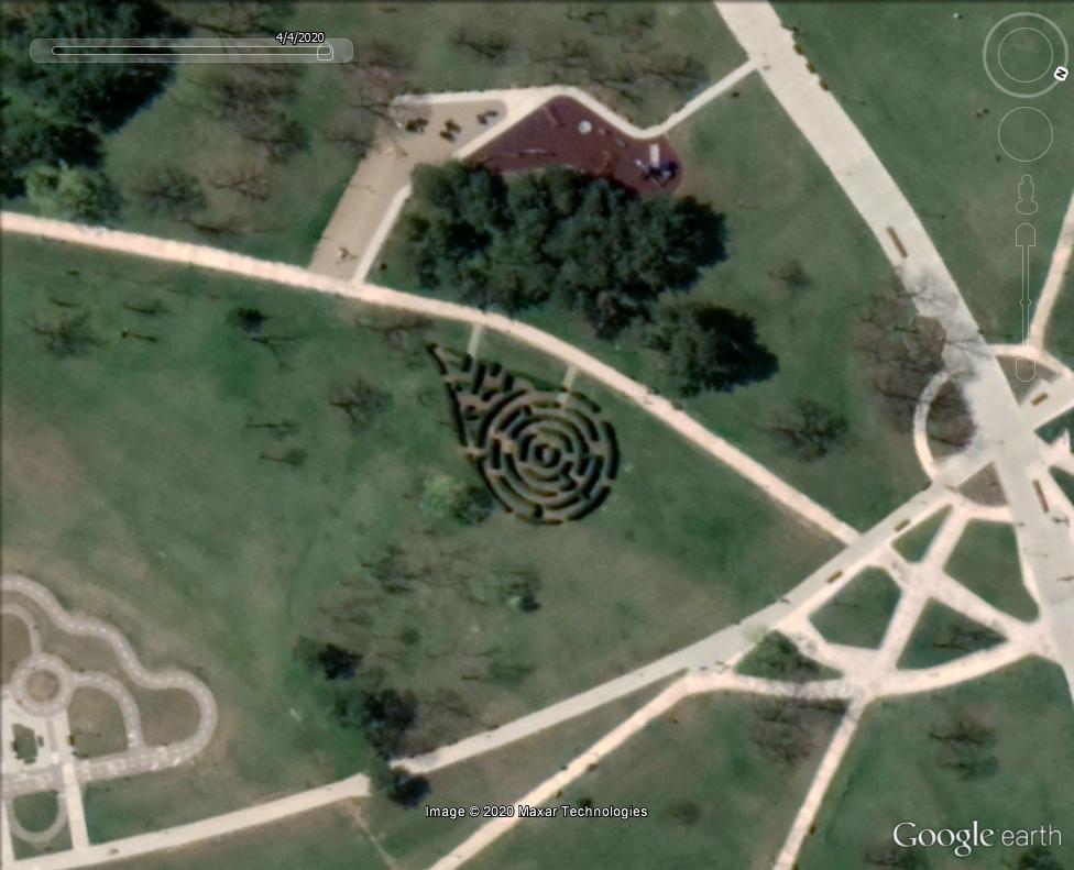 Les labyrinthes découverts dans Google Earth - Page 23 Belgra10