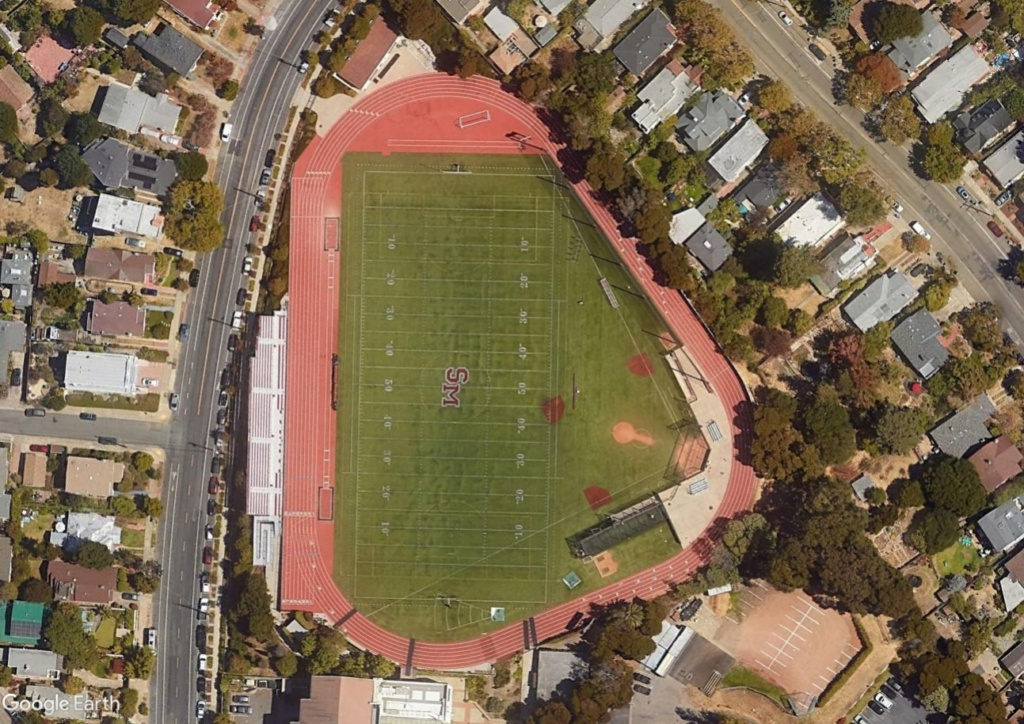 Stades d'athlétisme hors du commun Berk10