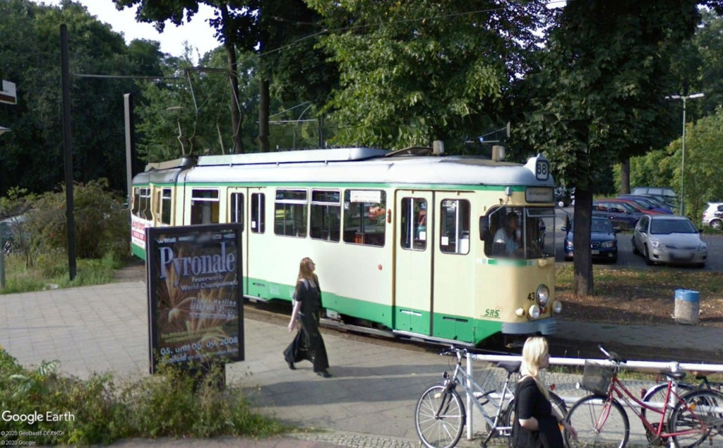 STREET VIEW : les tramways en action - Page 5 Berlin24