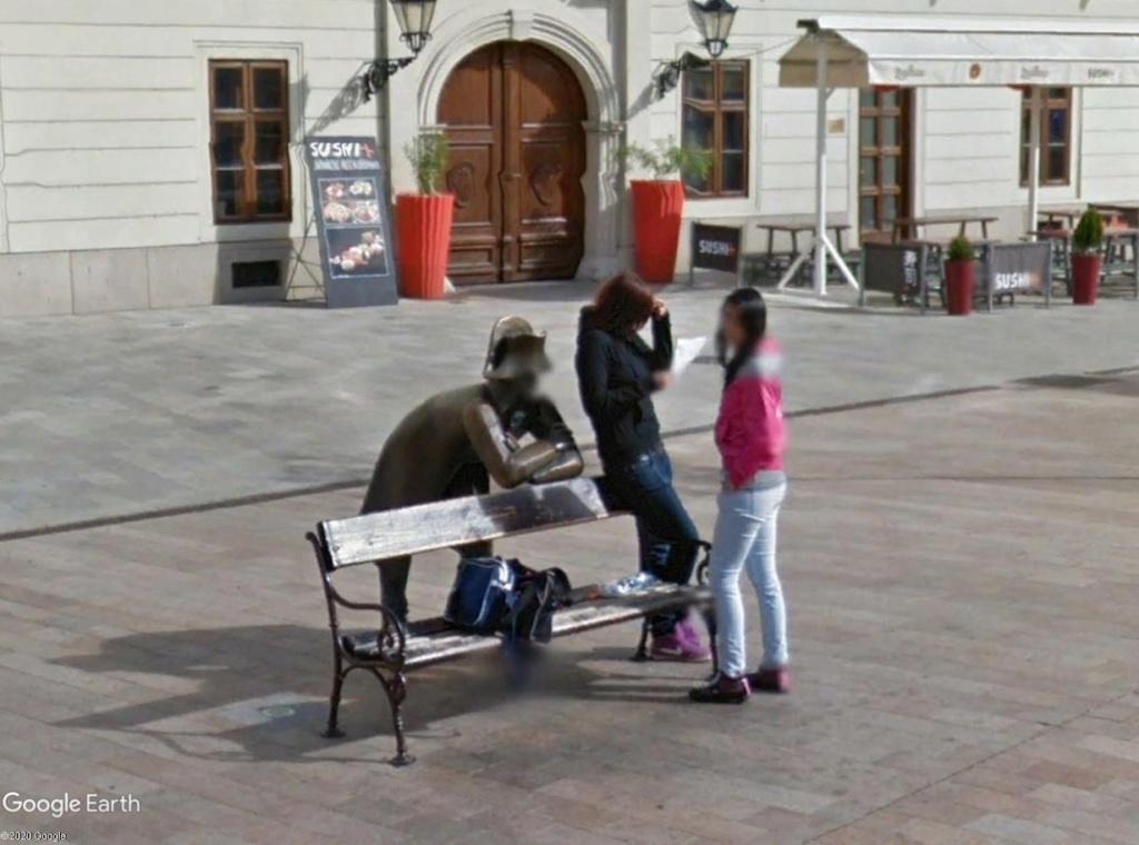 STREET VIEW : parler à un pote... Bratii11