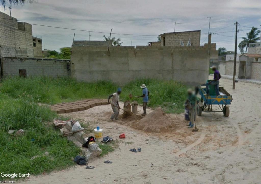 Fabrique artisanale de briques à Dakar Briqau11