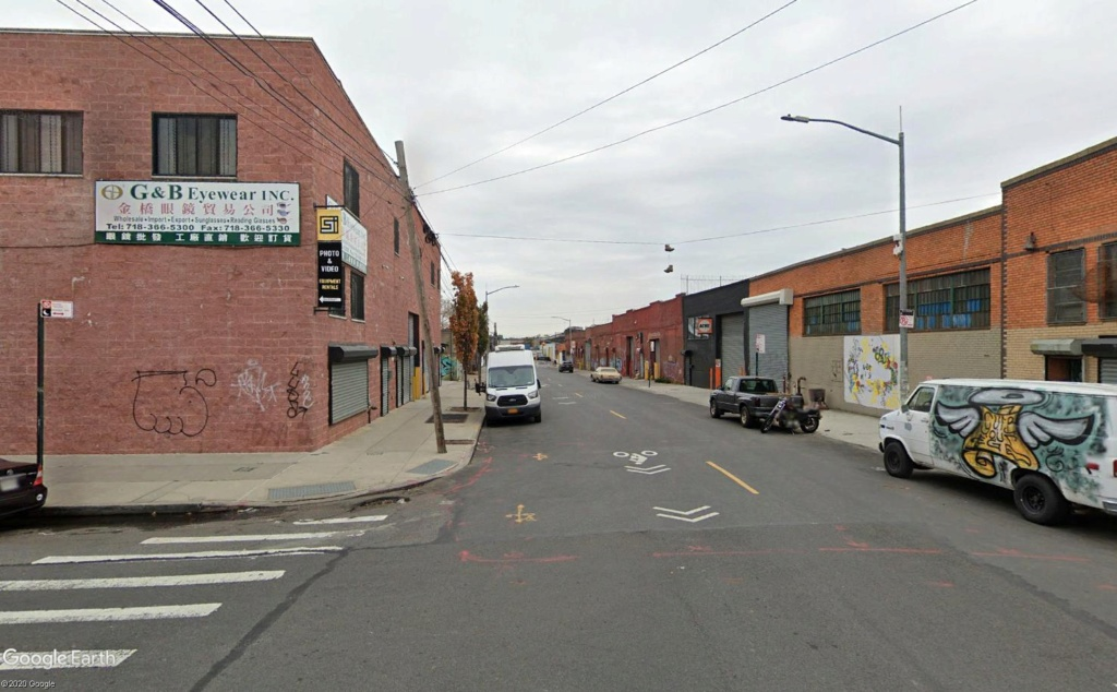 STREET VIEW : 2 sens de circulation = 2 saisons différentes vues de la Google Car ! [A la chasse !] - Page 5 Broo110