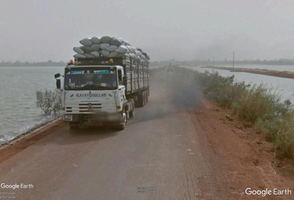 STREET VIEW : cars rapides et transports en commun du Sénégal Camion12