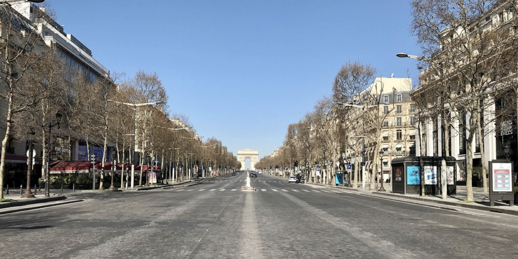 COVID-19 : les villes désertes Champs10