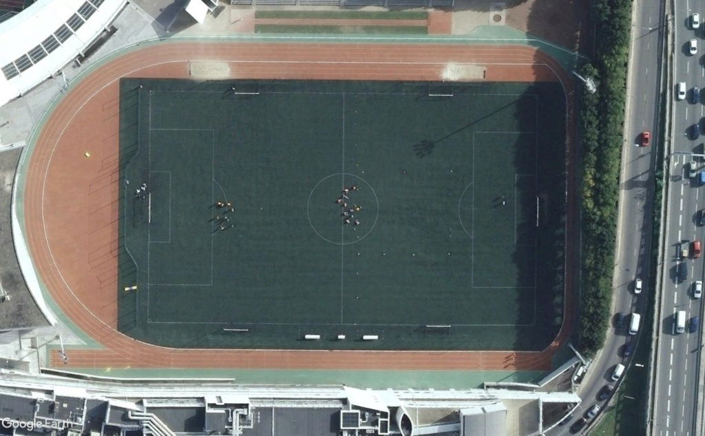Stades d'athlétisme hors du commun Charle11