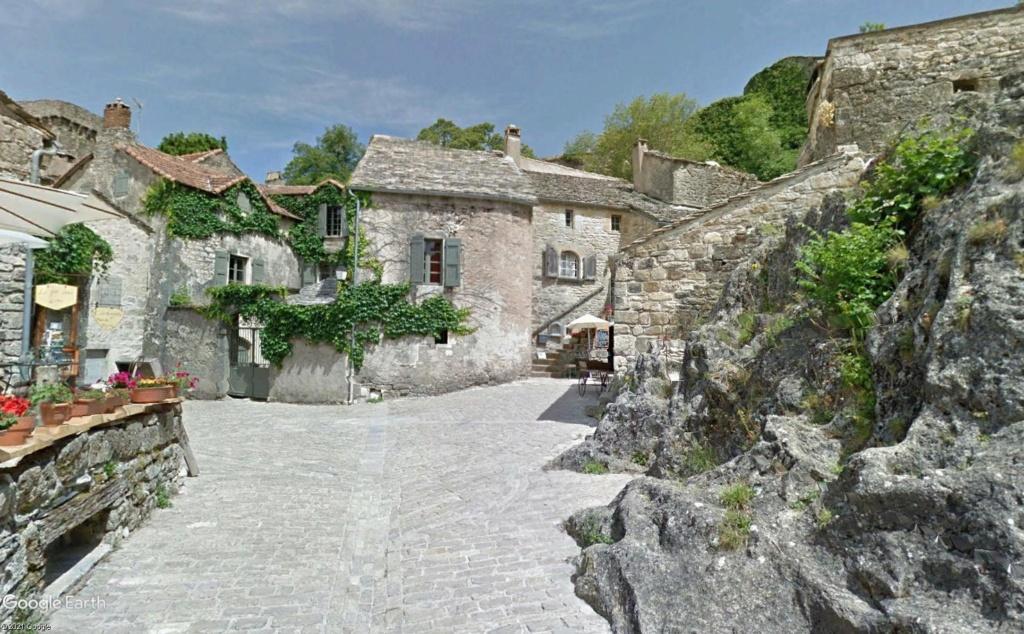 Les Plus Beaux Villages de France - Page 2 Couvvv12