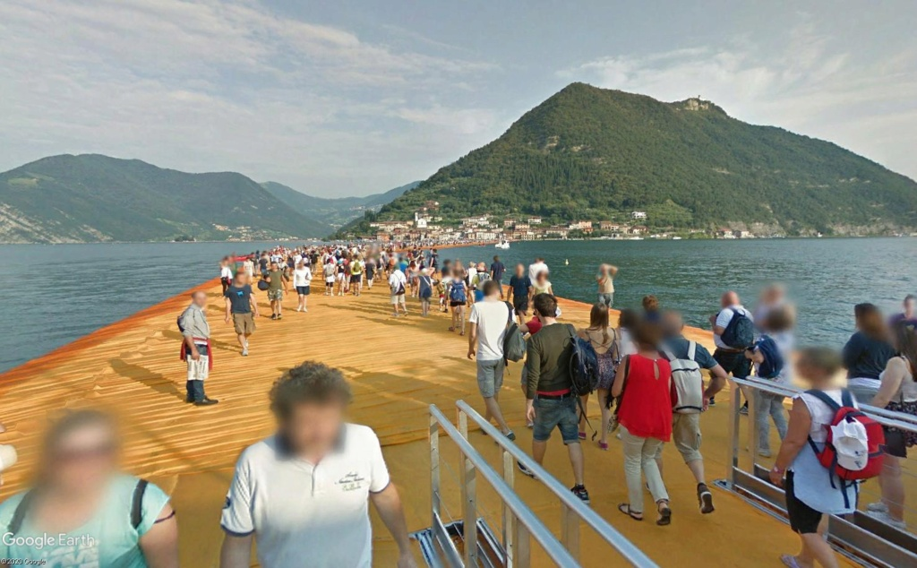 The Floating Piers, œuvre de Christo, lac d'Iseo, Italie  Cristo12
