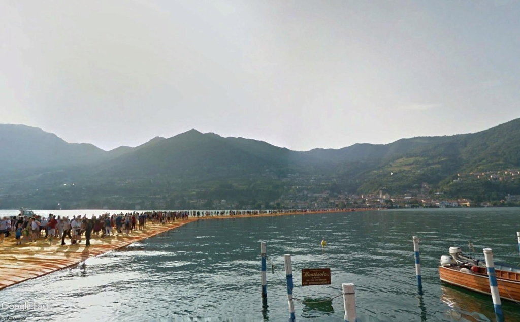 The Floating Piers, œuvre de Christo, lac d'Iseo, Italie  Cristo17