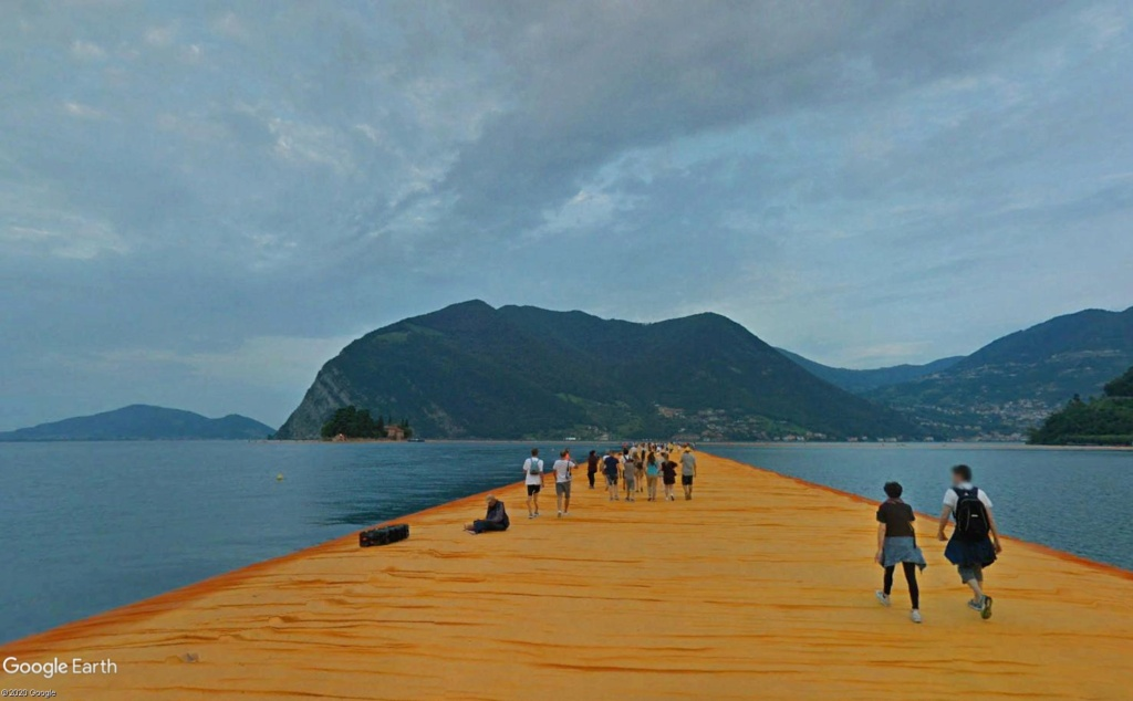 The Floating Piers, œuvre de Christo, lac d'Iseo, Italie  Cristo18