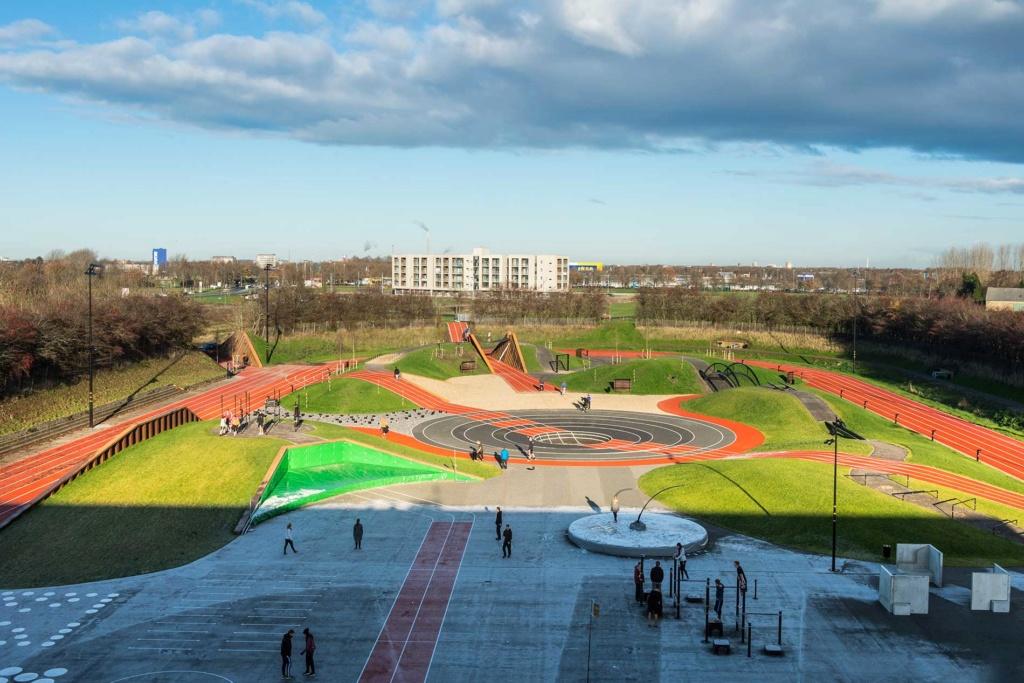 Stades d'athlétisme hors du commun - Page 3 D4x44510