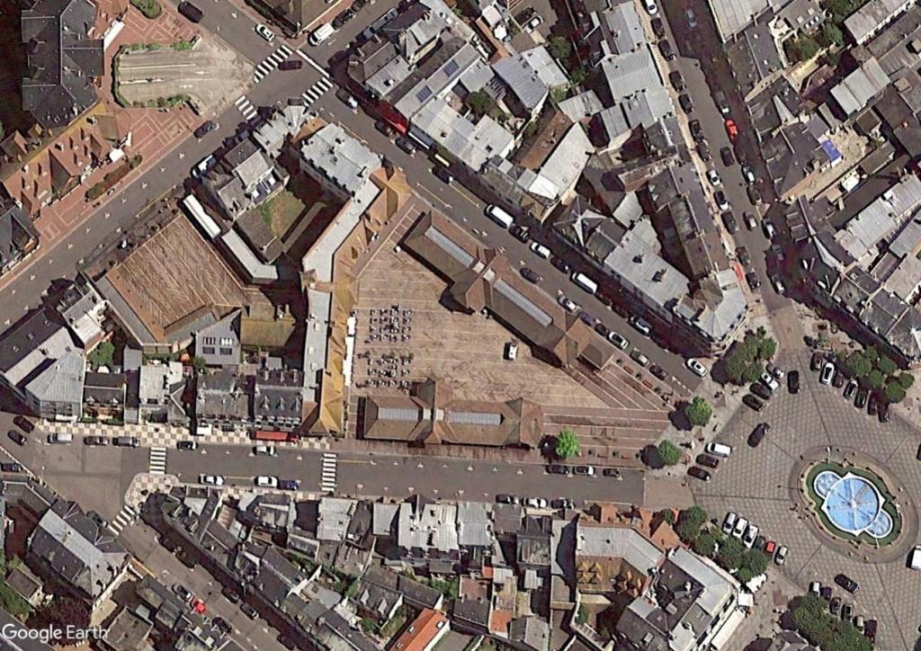 STREET VIEW : halles et marchés couverts - Page 4 Dea10