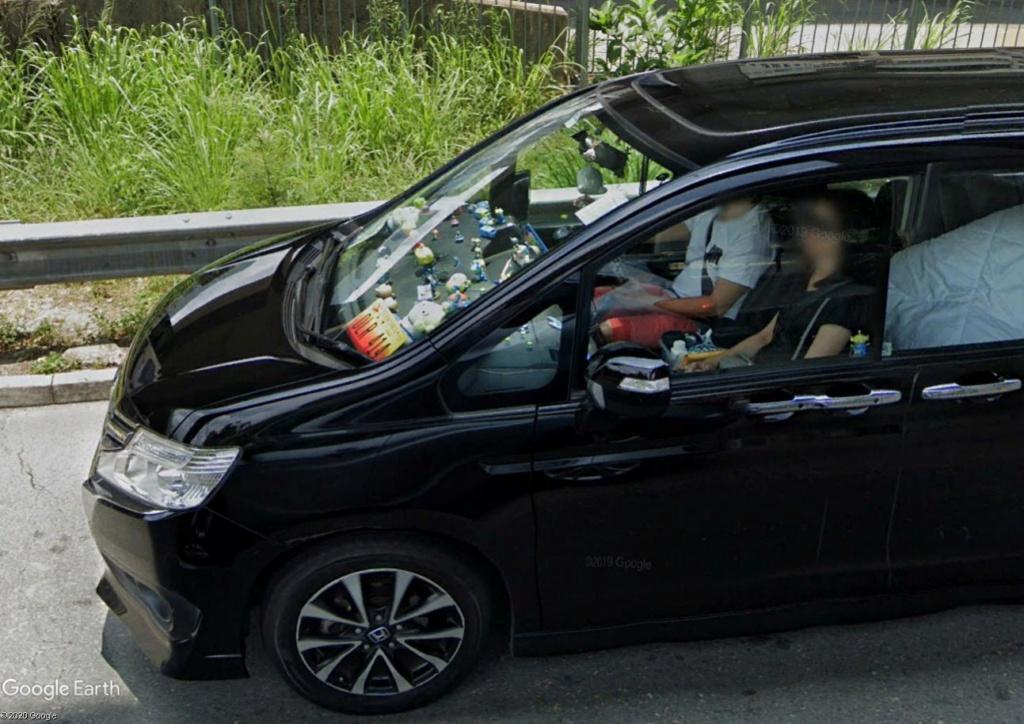 Décorez-vous l'intérieur de votre voiture ? Dzoco210