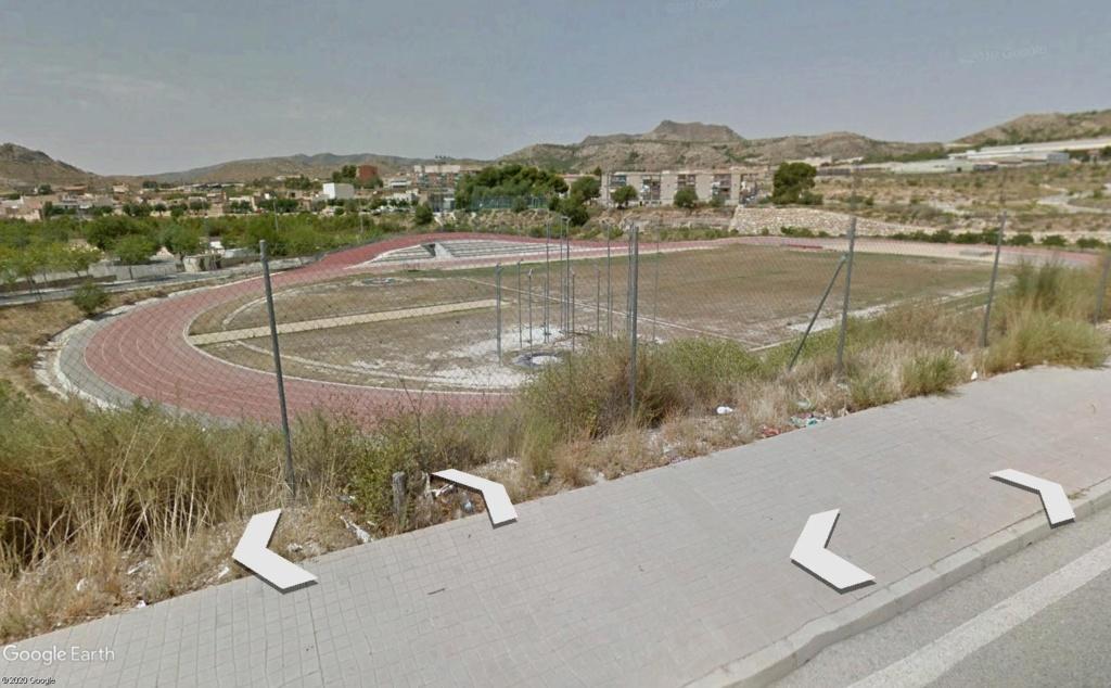 Stades d'athlétisme hors du commun Elda310