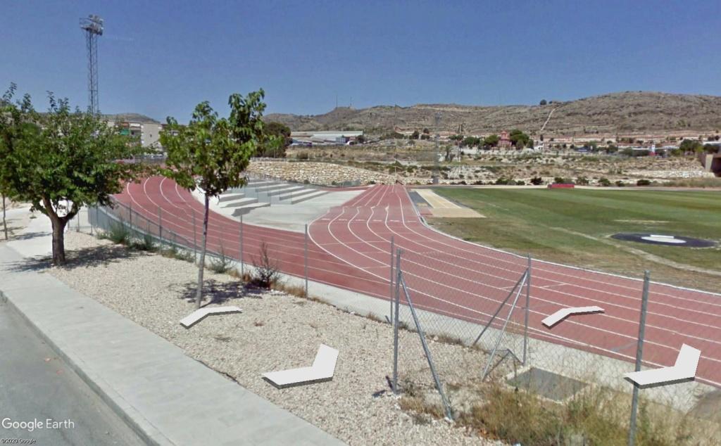 Stades d'athlétisme hors du commun Elda410