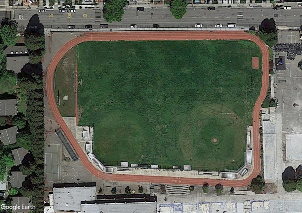 Stades d'athlétisme hors du commun Emerrr12