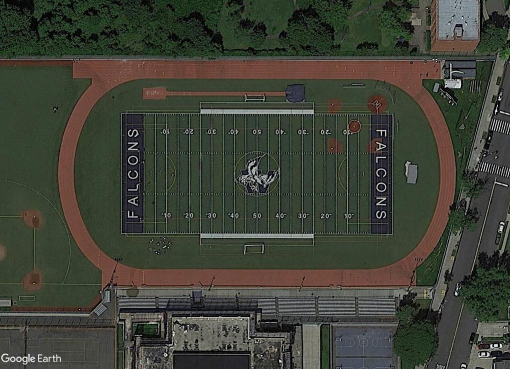 Stades d'athlétisme hors du commun - Page 2 Falcon10