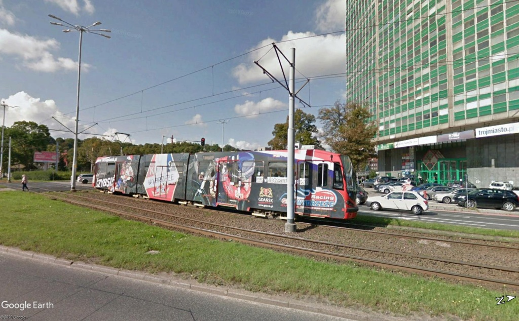 STREET VIEW : les tramways en action - Page 4 Gdansk11