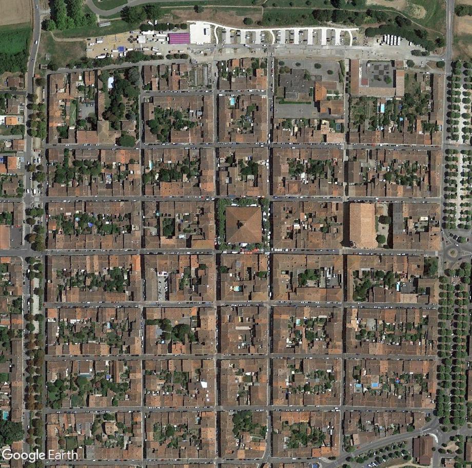 STREET VIEW : halles et marchés couverts - Page 4 Grenad10