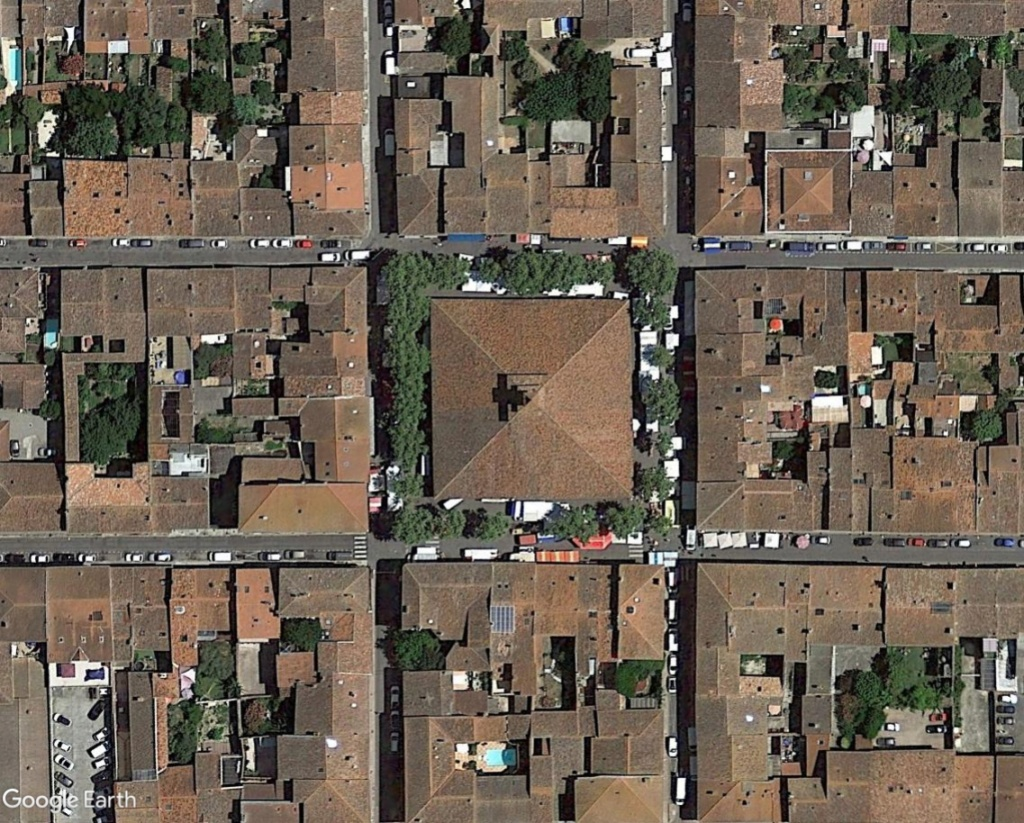 STREET VIEW : halles et marchés couverts - Page 4 Grenad12