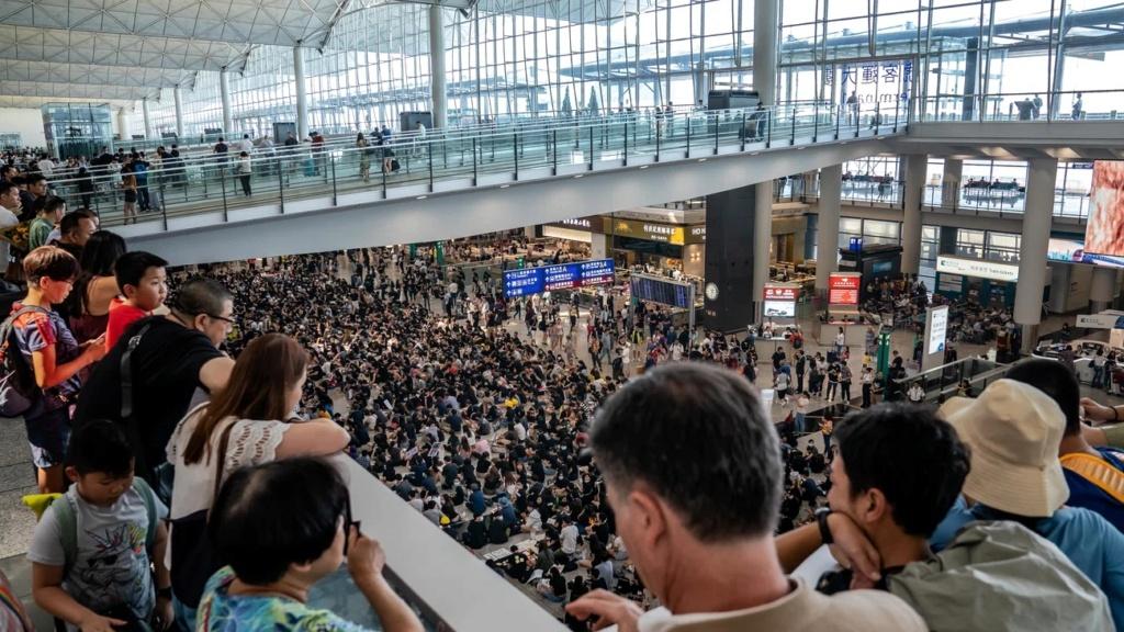 """Hong Kong à l'heure de la """"normalisation"""" : un voyage en images - Page 5 Hk_azo10"""