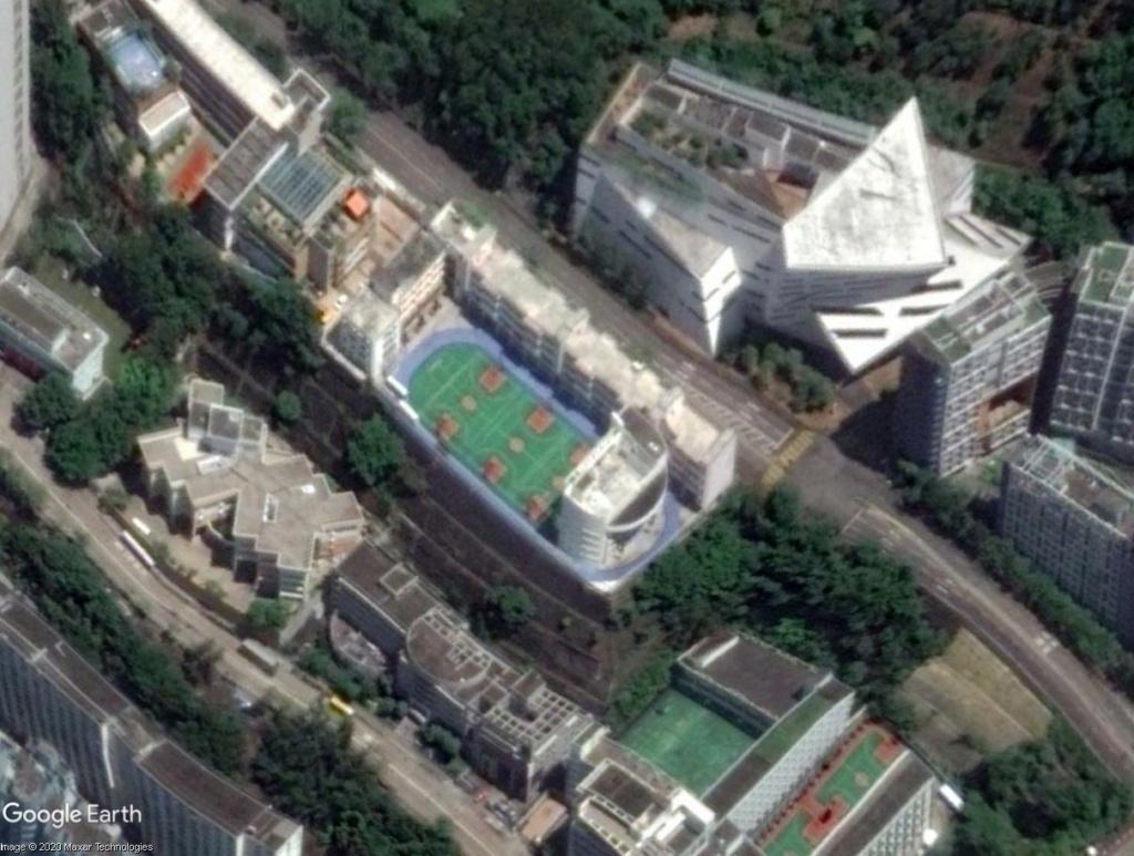 Stades d'athlétisme hors du commun - Page 2 Hk_sta10