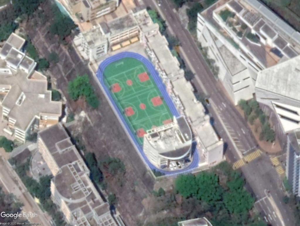 Stades d'athlétisme hors du commun - Page 2 Hk_sta11