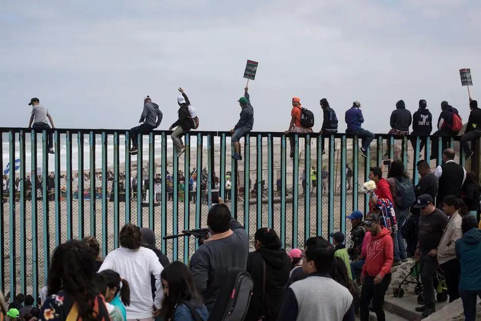 Histoires de frontières - Page 12 Immigr11