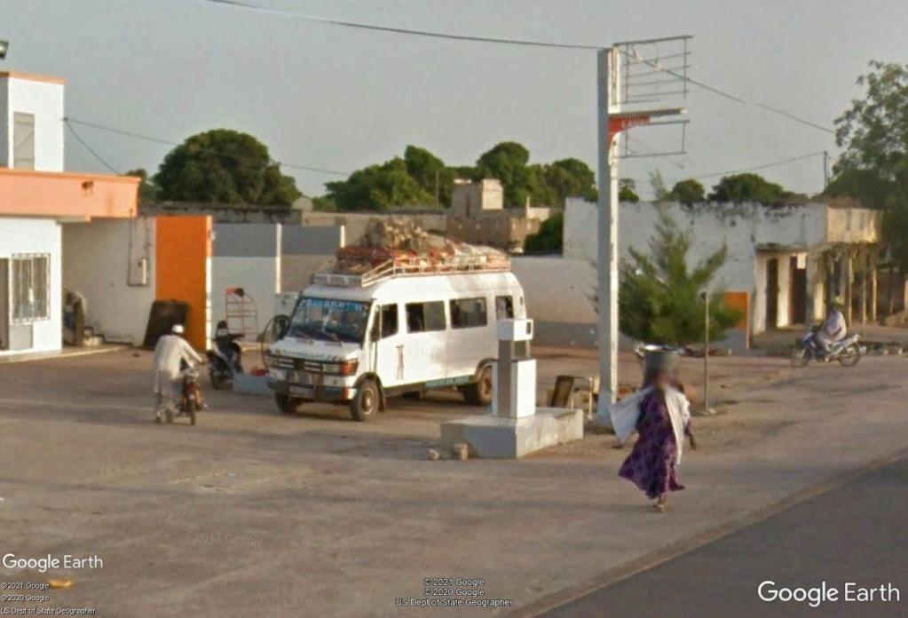 STREET VIEW : cars rapides et transports en commun du Sénégal Km210