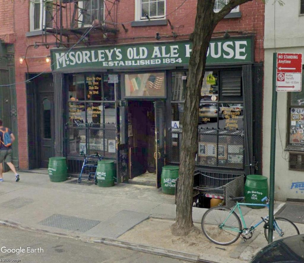 STREET VIEW : les pubs, une invitation à entrer... Mac10