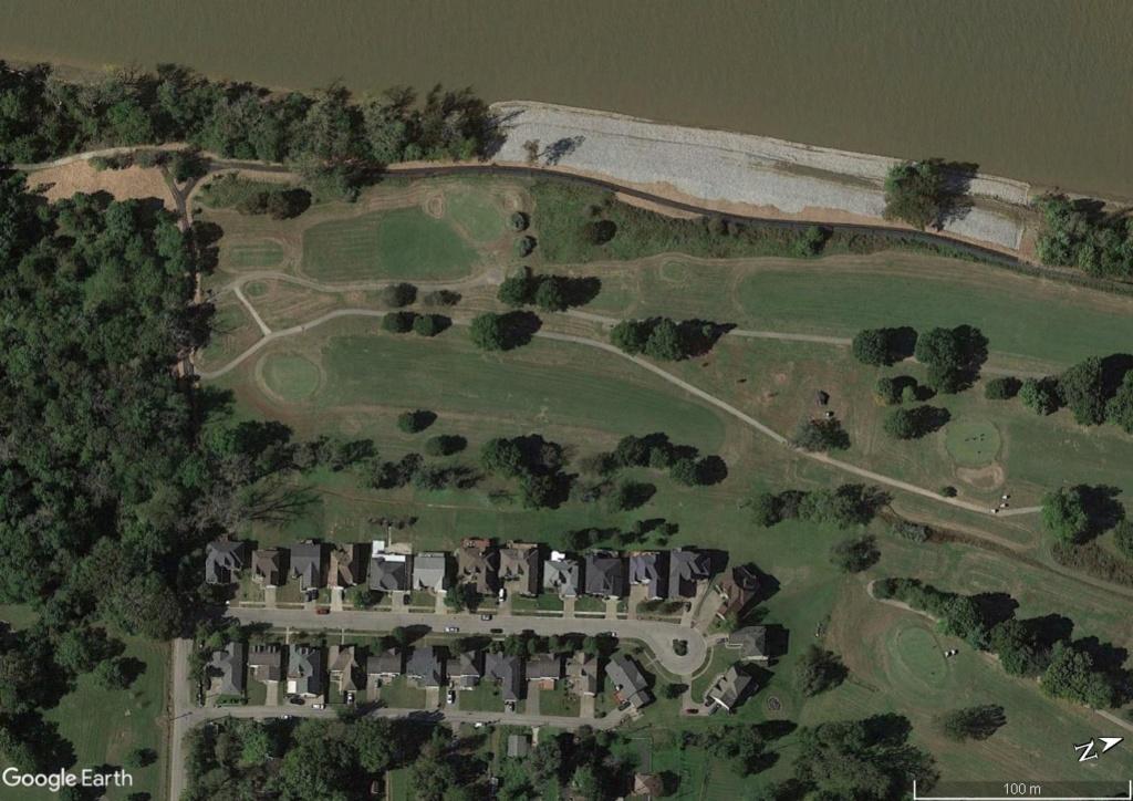 Digues, flood Walls... Les aménagements anti-inondation illustrés avec Google Earth Maison13
