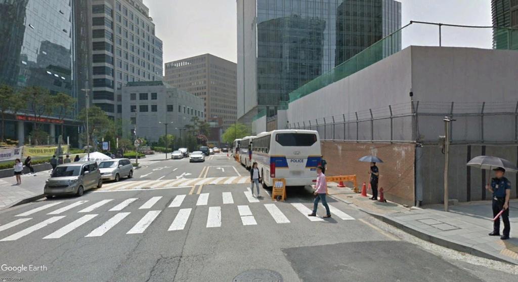"""STREET VIEW: les manifestations dans le Monde vues de la caméra des """"Google Cars"""" - Page 4 Manif10"""
