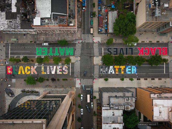 """Inscriptions """"BLACK LIVES MATTER"""" à travers le monde Max_0010"""