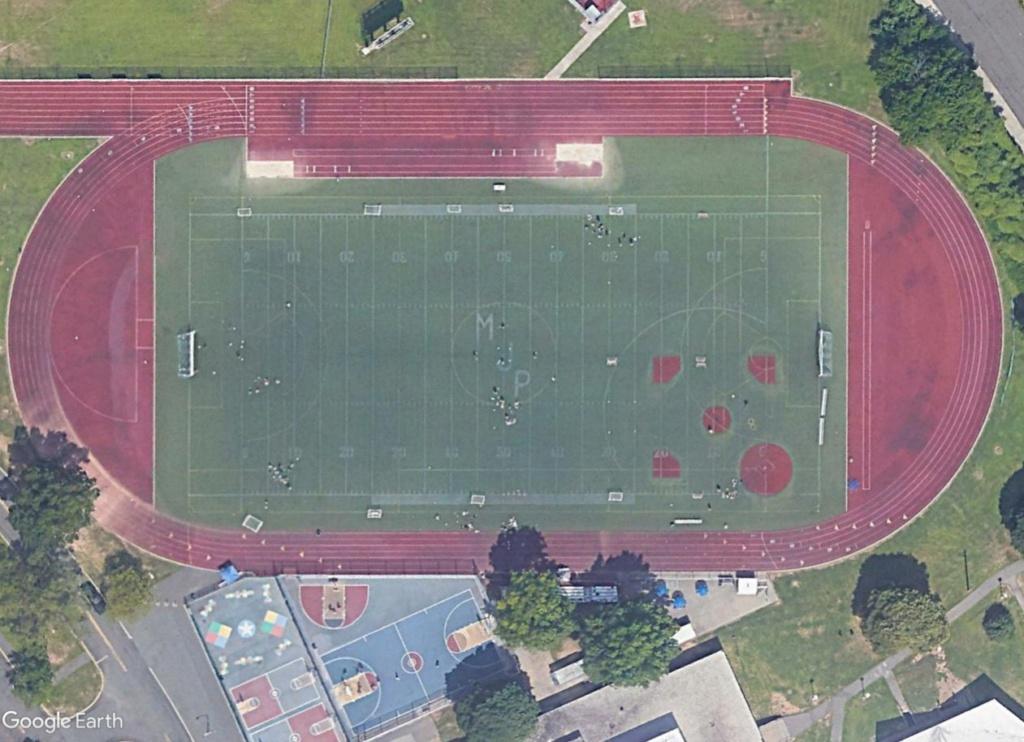 Stades d'athlétisme hors du commun - Page 2 Michae11