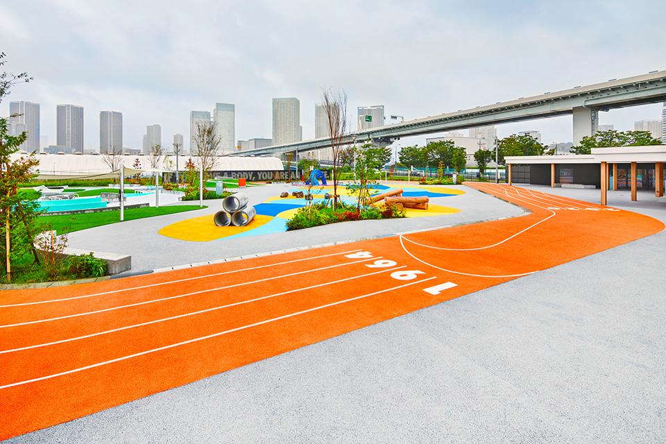 Stades d'athlétisme hors du commun - Page 3 Nike-j10