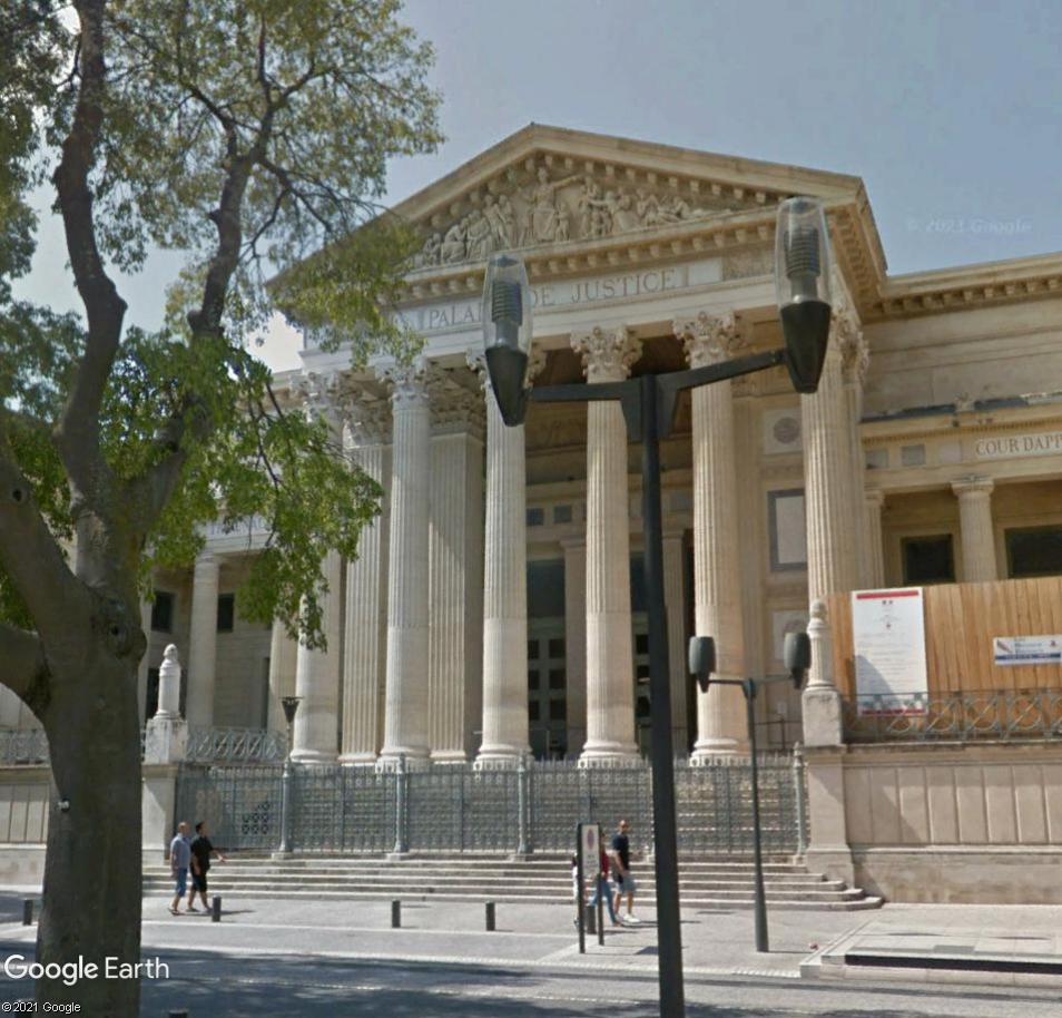 ARCHITECTURE : les frontons racontent l'Histoire - Page 2 Nimes10