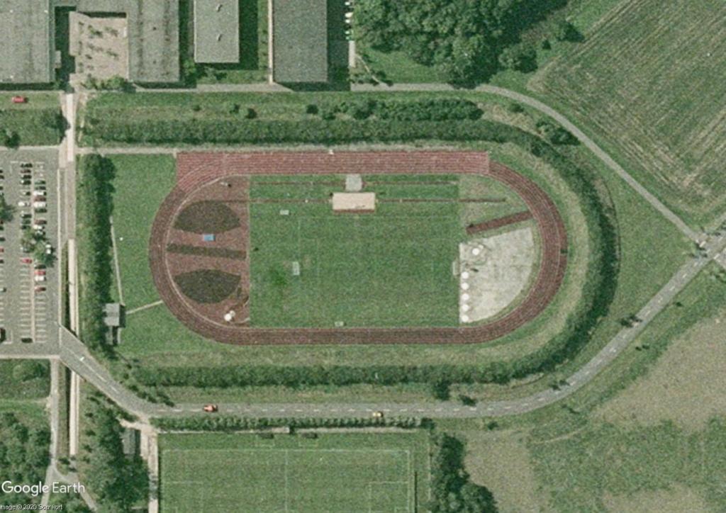 Stades d'athlétisme hors du commun - Page 3 Odense10