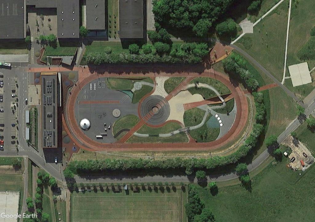 Stades d'athlétisme hors du commun - Page 3 Odense12
