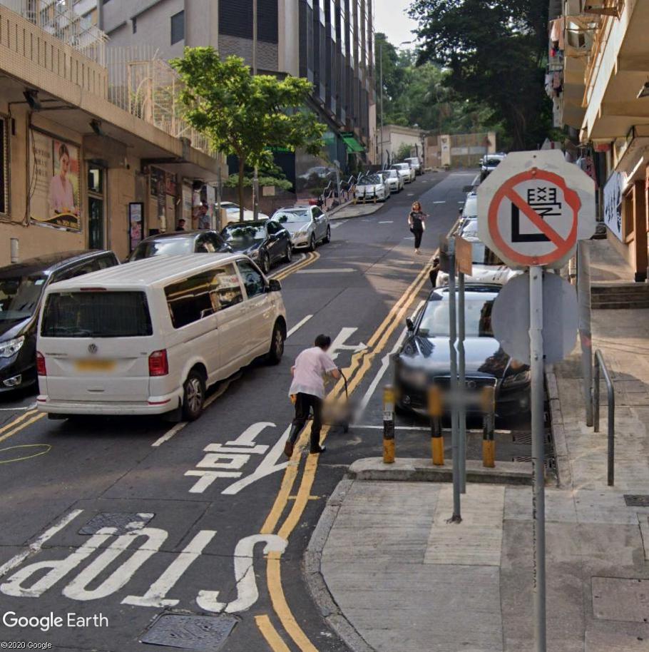 STREET VIEW : les panneaux routiers - Page 6 Pannnn10