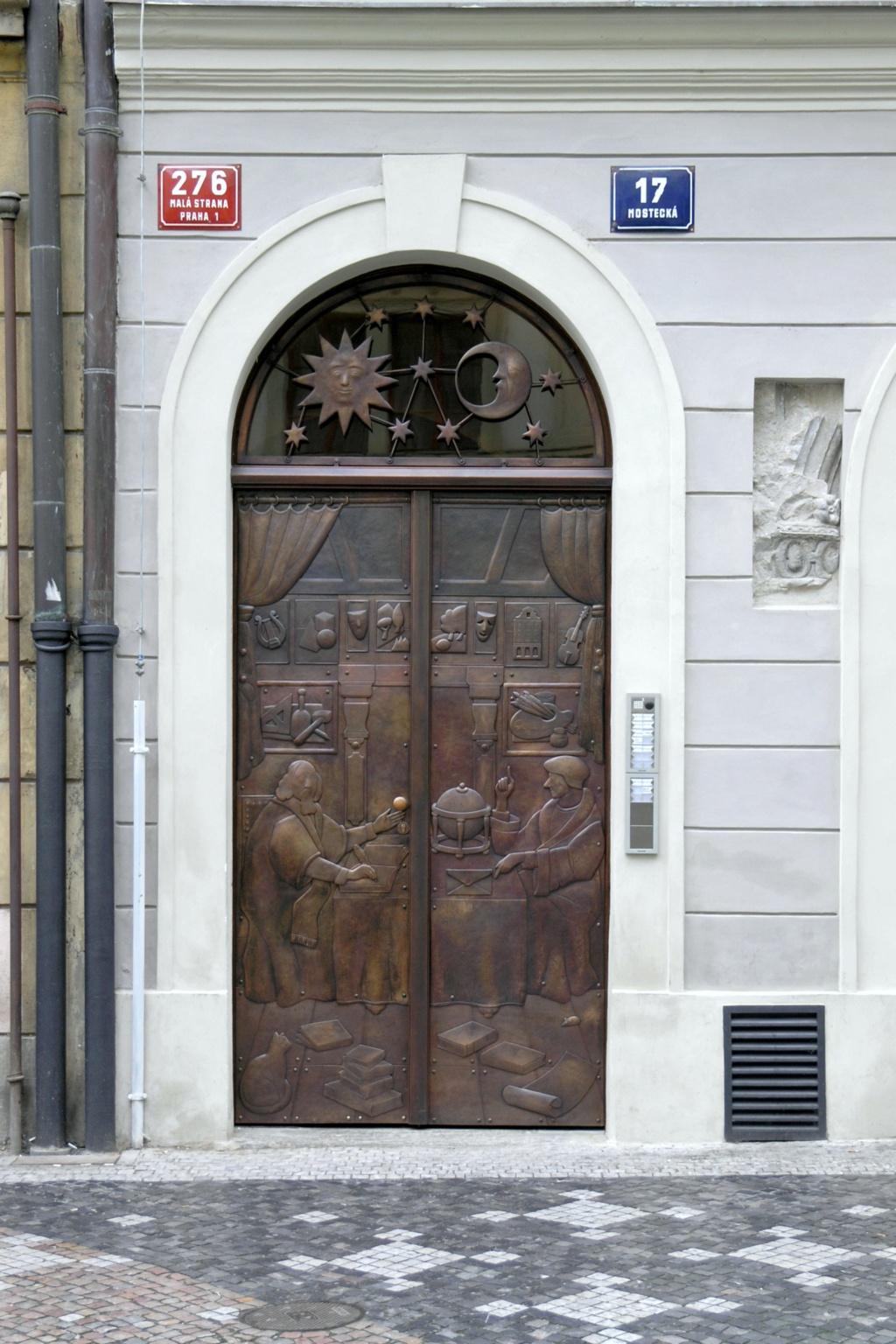 Entrez-donc ! (collection de portes) - Page 7 Praha_10