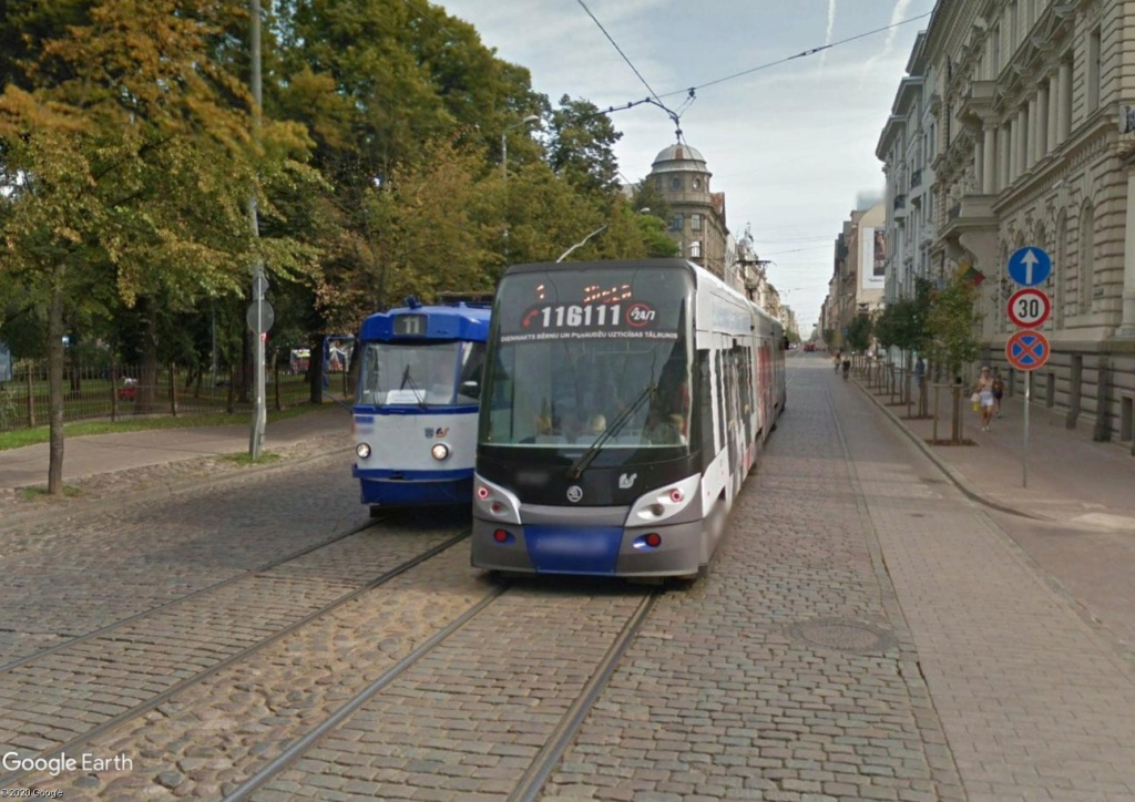 STREET VIEW : les tramways en action - Page 5 Riga210