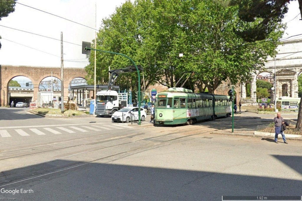 STREET VIEW : les tramways en action - Page 5 Rome110