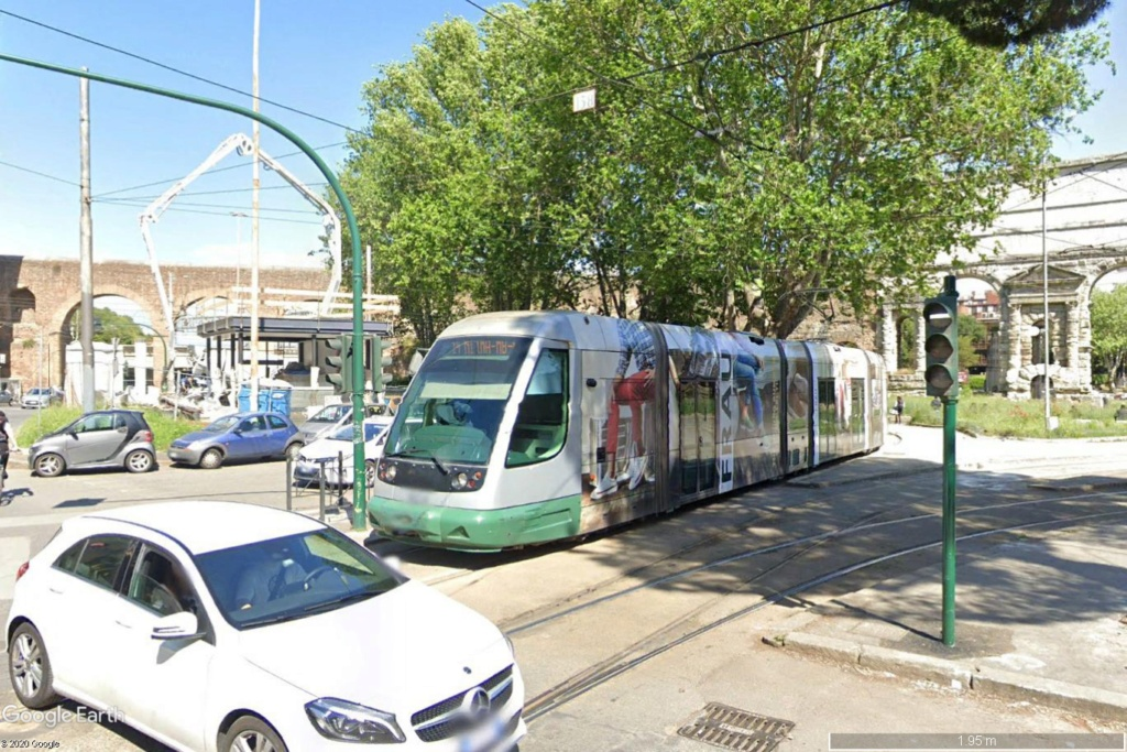 STREET VIEW : les tramways en action - Page 5 Rome212