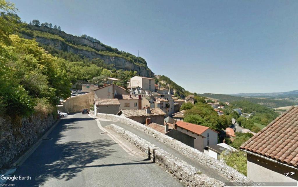 Les villages qui ont donné leur nom à un fromage (sujet touristique !) - Page 2 Roquef14
