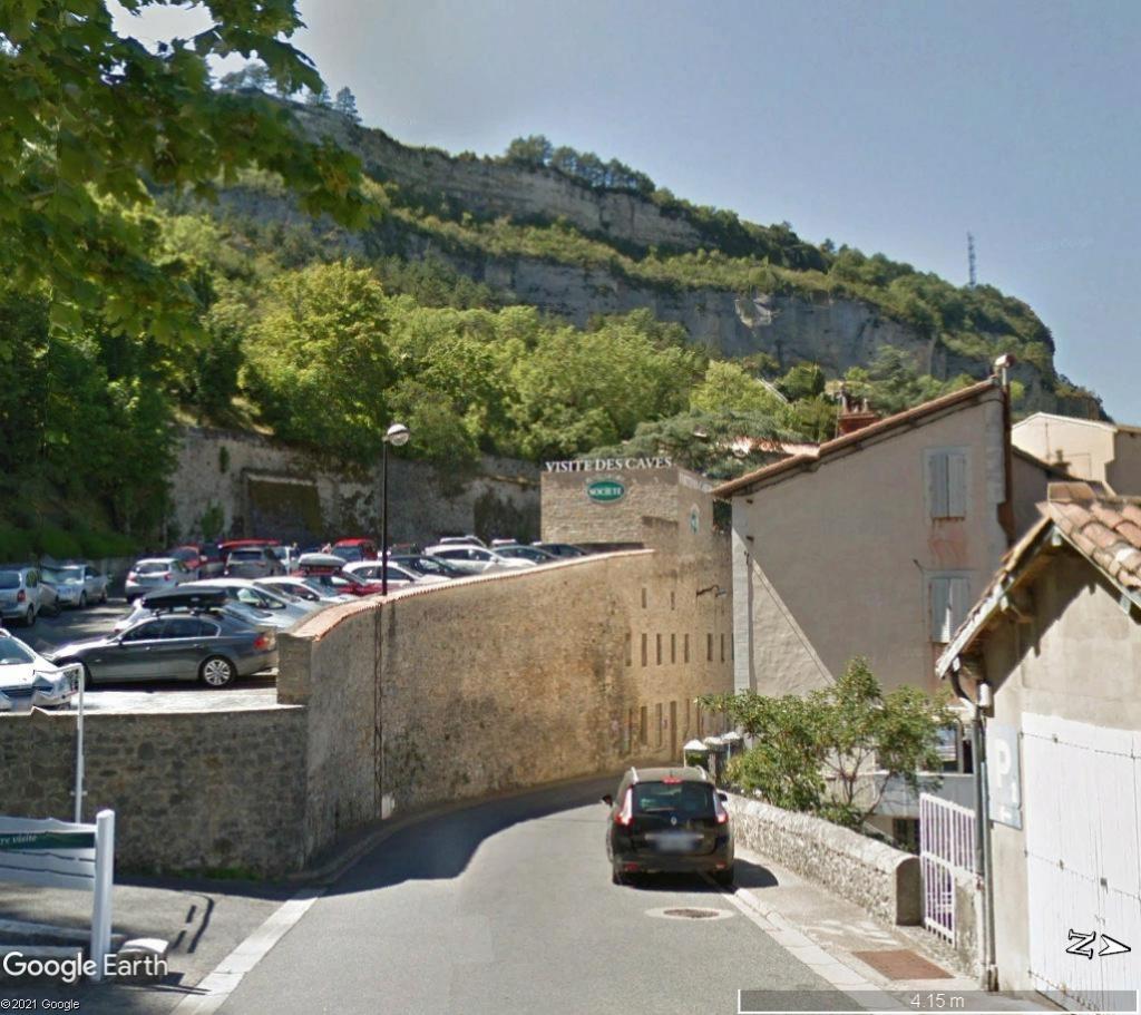 Les villages qui ont donné leur nom à un fromage (sujet touristique !) - Page 2 Roquef15