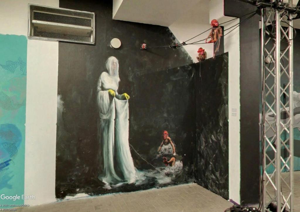 Millerntor Gallery : une gallerie sous les gradins d'un stade de Hambourg S210