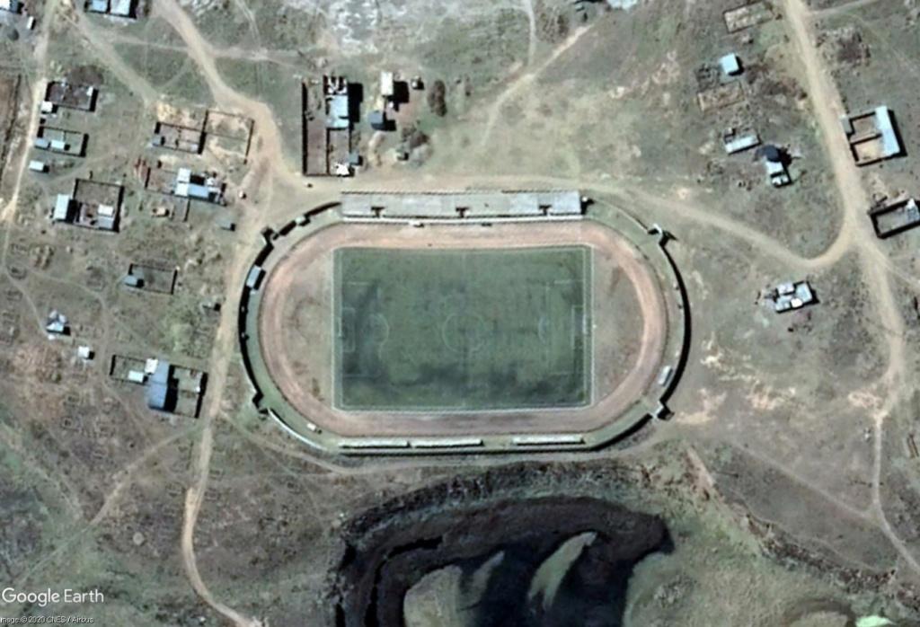Stades d'athlétisme hors du commun - Page 3 San_an10