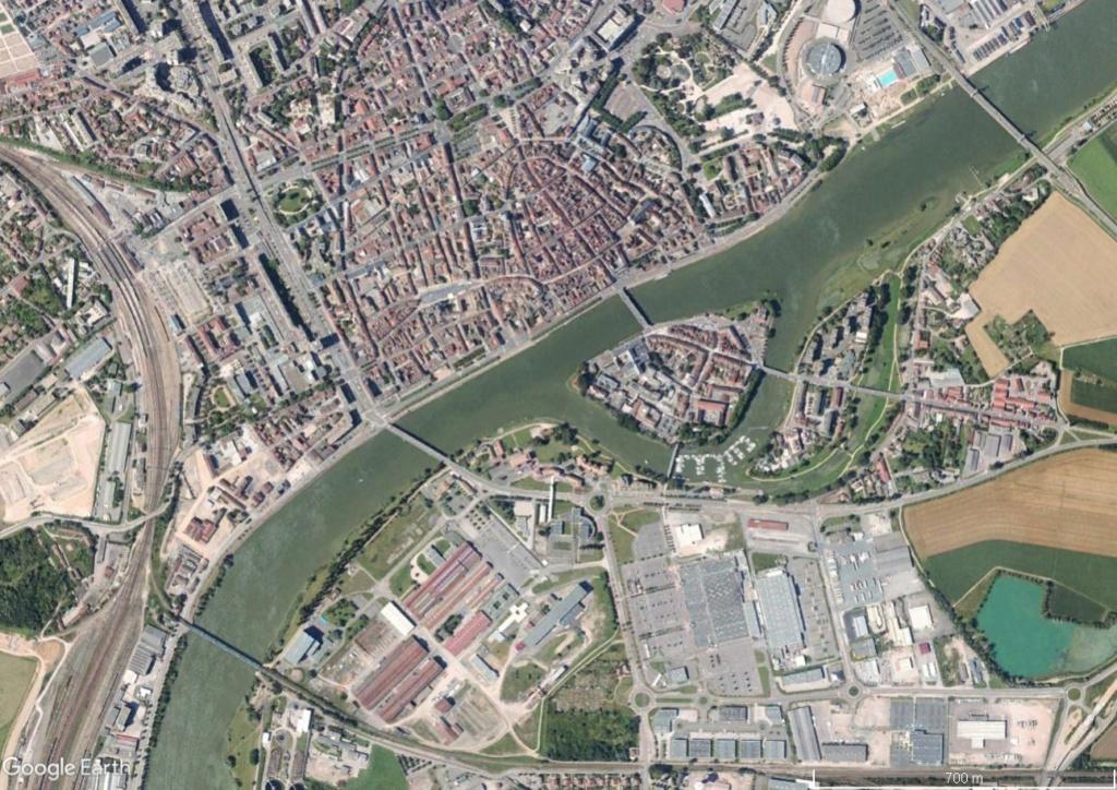 La vraie largeur des rivières Saone212