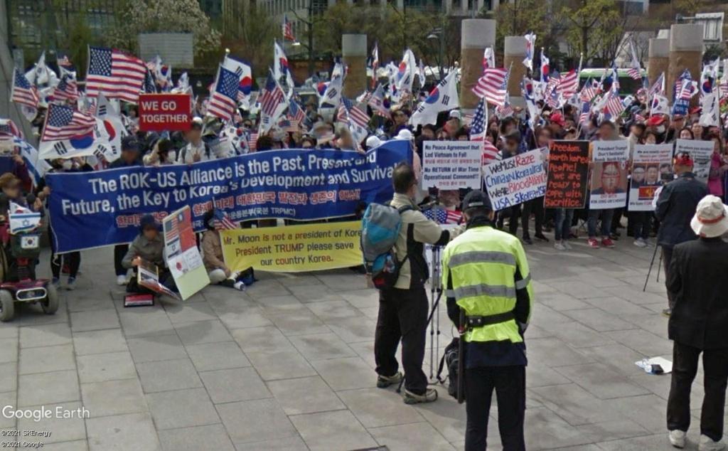 """STREET VIEW: les manifestations dans le Monde vues de la caméra des """"Google Cars"""" - Page 4 Seoulk11"""