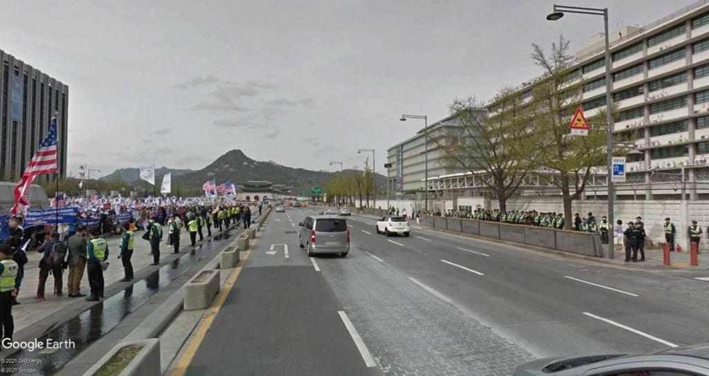 """STREET VIEW: les manifestations dans le Monde vues de la caméra des """"Google Cars"""" - Page 4 Seoulk13"""
