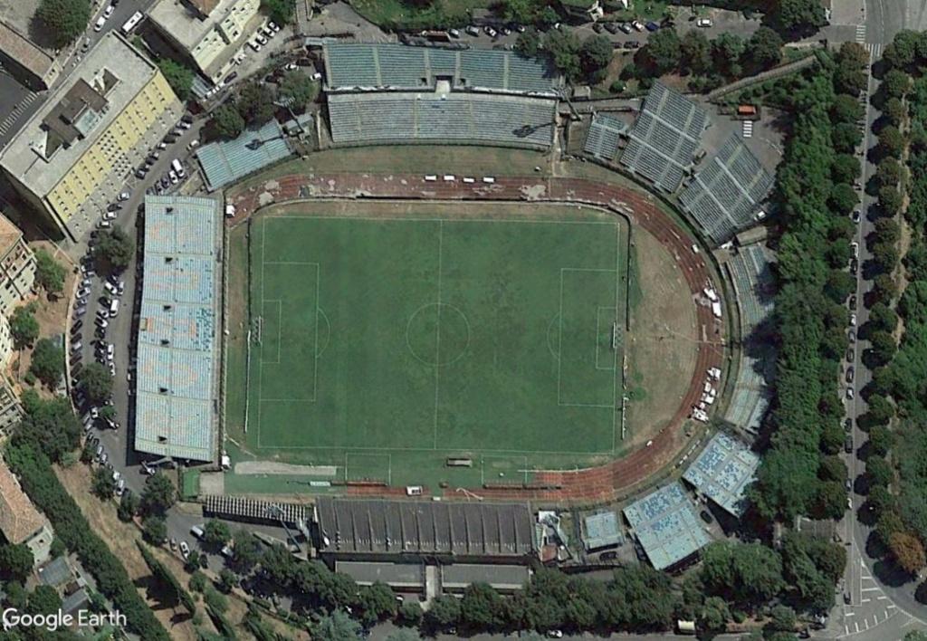 Stades d'athlétisme hors du commun - Page 3 Sienne10